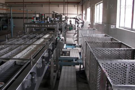 沙丁鱼罐头生产线