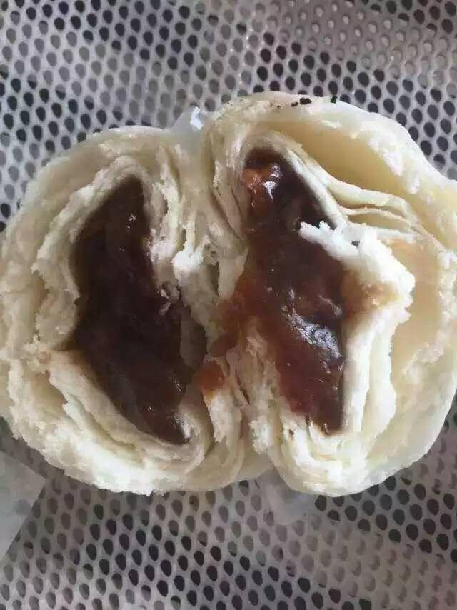 知道云南特色小吃破酥包子是怎么做的吗