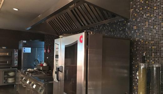 """餐飲行業迎來""""進化潮"""" 中央廚房亟待建設和完善"""