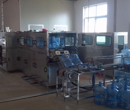 300桶/时桶装水灌装机
